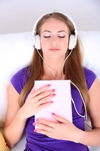 Woman_Listening_To_Music